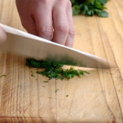 Chopping Herbes step_1_4