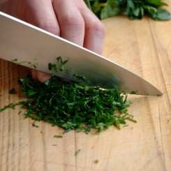 Chopping Herbes step_1_5