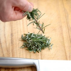 Chopping Herbes step_2_1