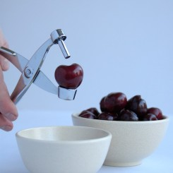 Pitting Cherries_step1