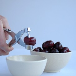 Pitting Cherries_step2