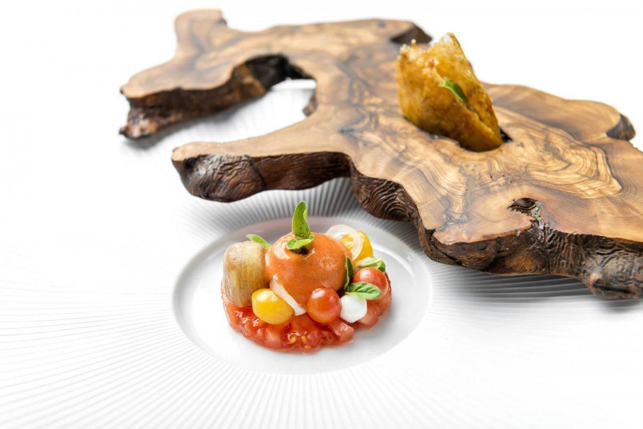 CHICKEN PIRI-PIRI & ALGARVEAN SALAD
