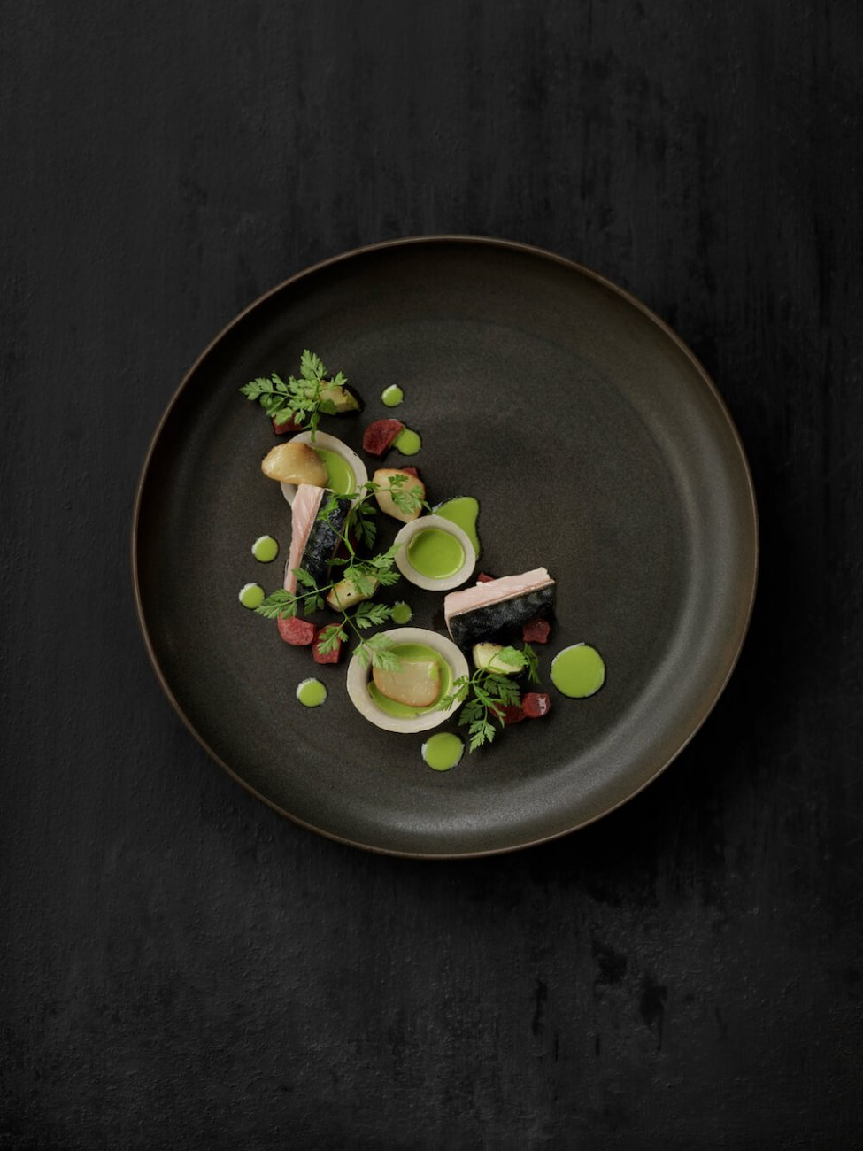 MACKEREL, PICKLED SKILLEBY RHUBARB & ONIONS, GRILLED CUCUMBER, SMOKED BEEF MARROW AND PINE JUICE
