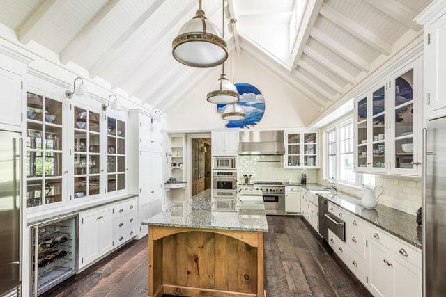 Rustic Neutral Accents In Elegant Hamptons Kitchen Chef S Pencil