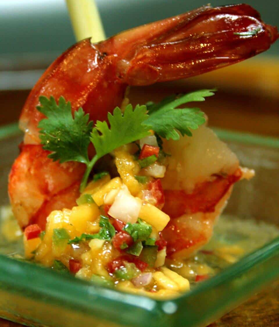 STEAMED PRAWNS WITH PAPAYA-HONEY SALSA