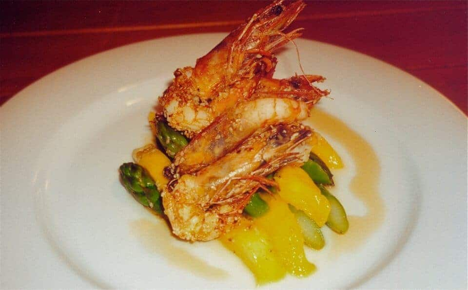 SESAME PRAWNS WITH MANGO AND ASPARAGUS SALAD