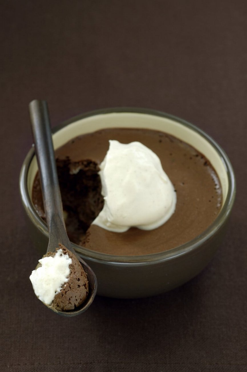 KAHLUA AND CHOCOLATE MOUSSE WITH CINNAMON CREAM