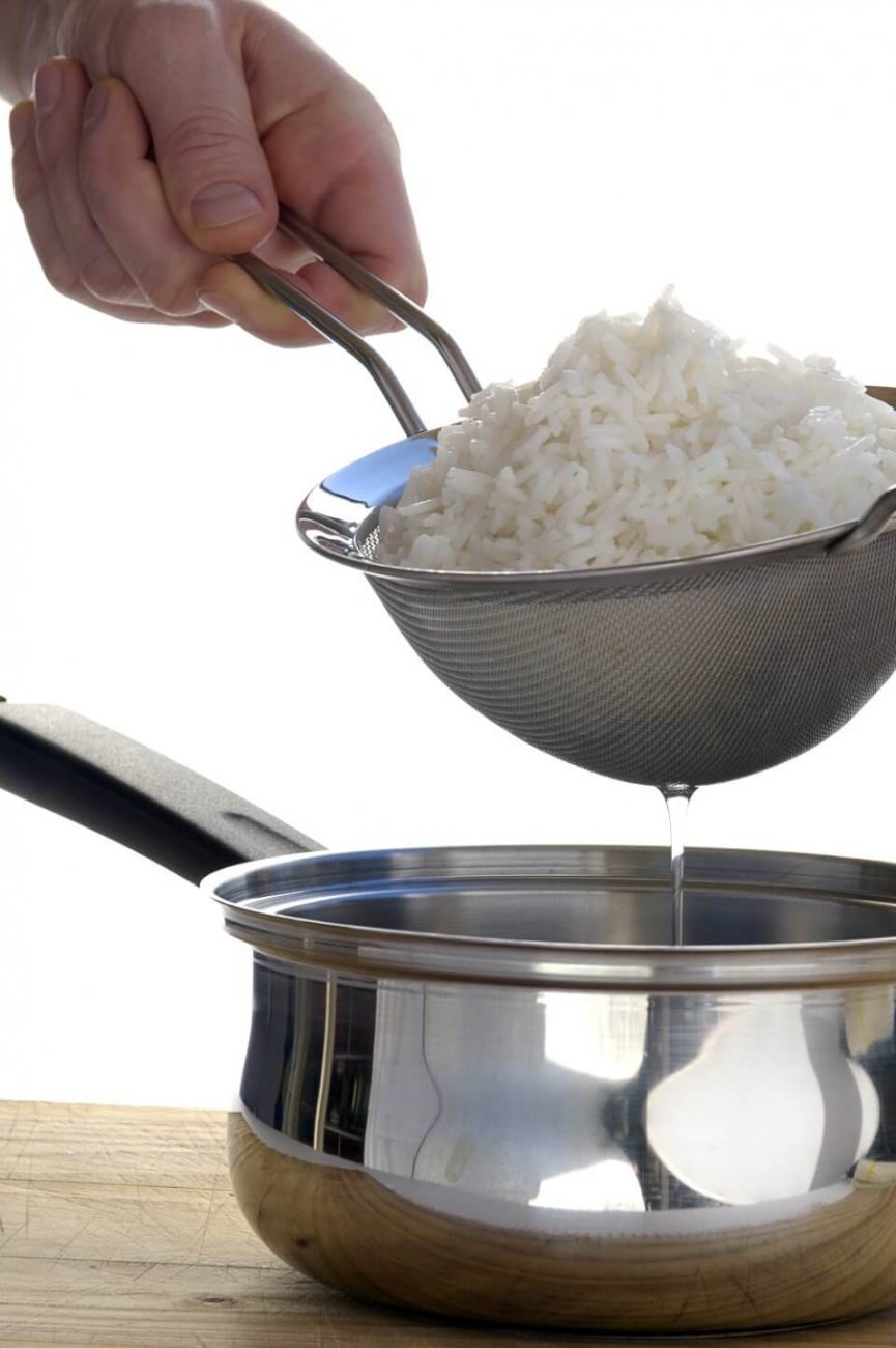 COOKING FLUFFY RICE