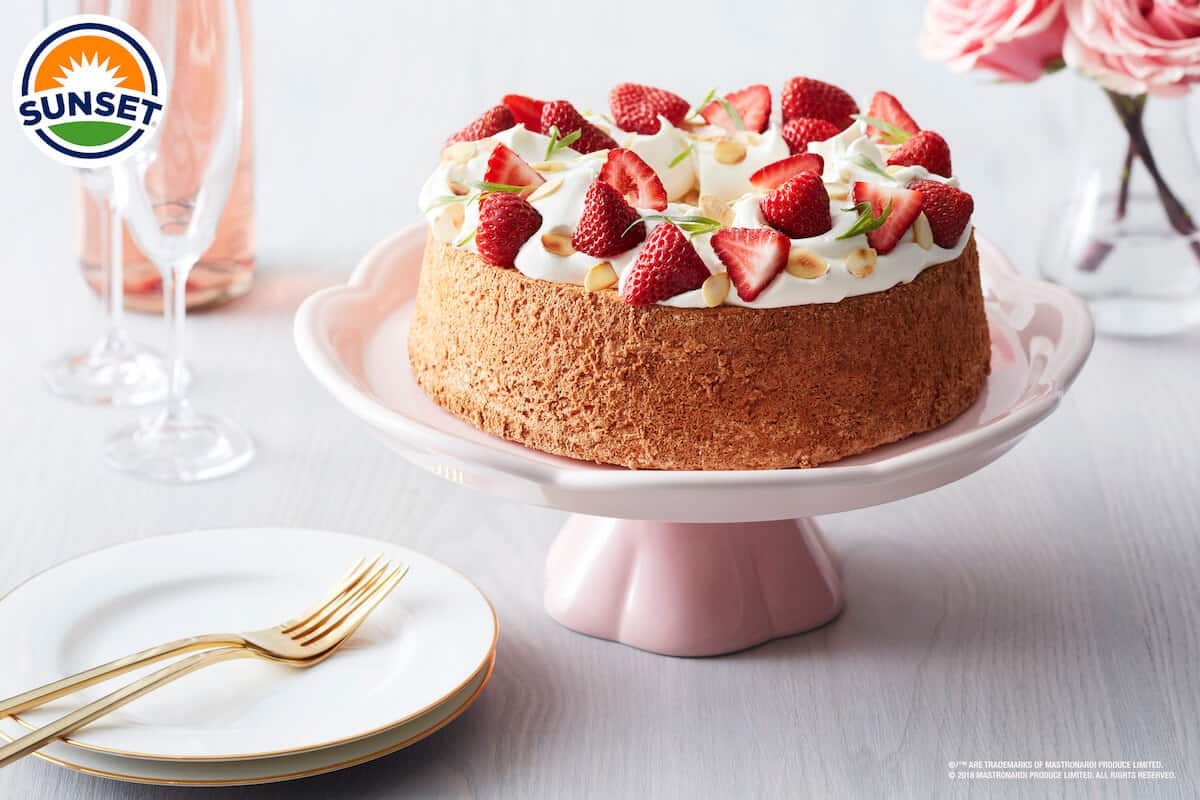 SUNSET® WOW™ BERRY ANGEL FOOD CAKE