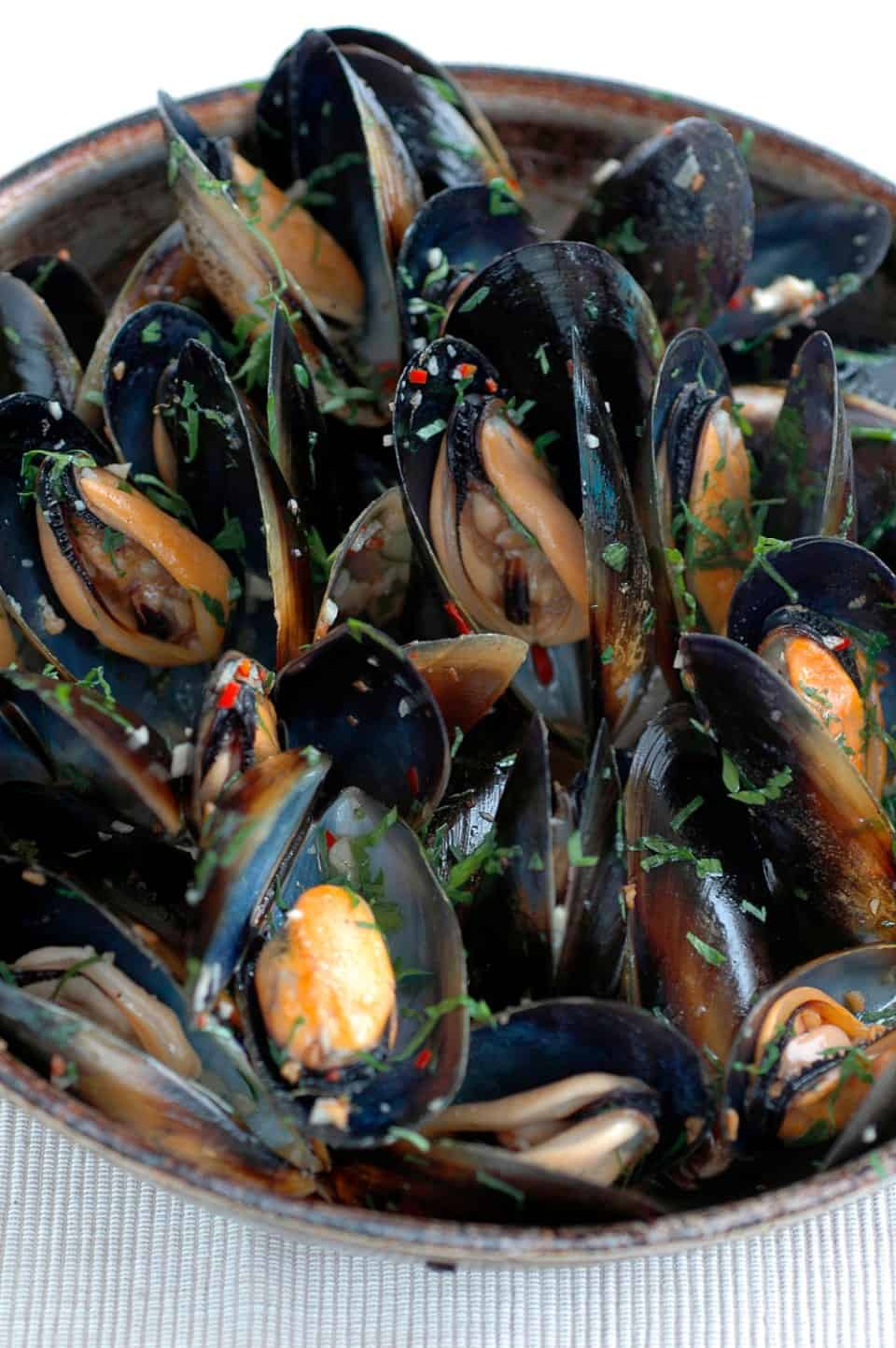 Mussels in Lemon, Chilli and Garlic