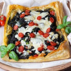 Novikov-Cavolo-Nero-Tart-with-Pecorino-cheese-credit-ABphotoworks-123