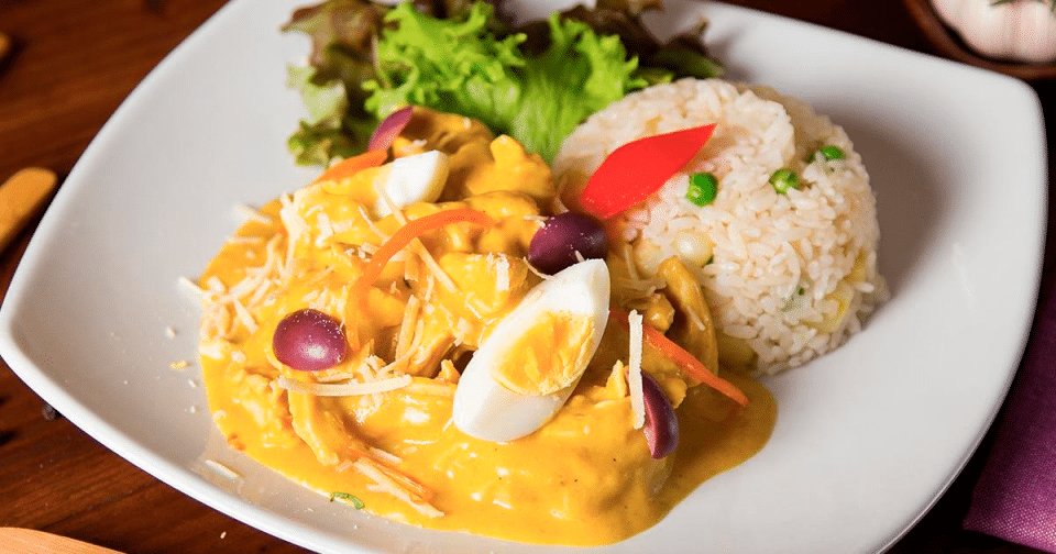 A plate of Peruvian chicken stew
