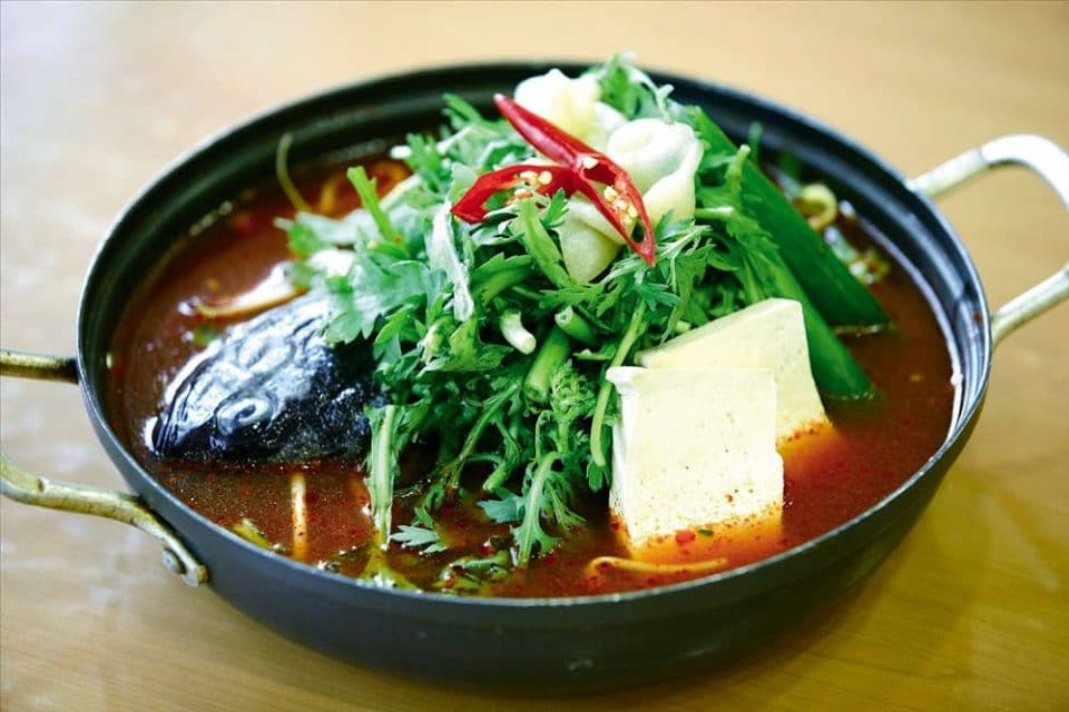 Stew consisting of seasonal freshwater fish, radish, and suk-gat (edible chrysanthemum). It has a rich, spicy flavor.